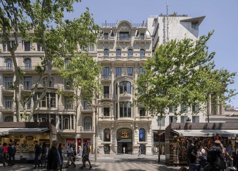 IDP carries out the reform of the facilities of a historical building for KKH in the Rambla of Barcelona